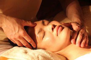 masaje dolor de cuello